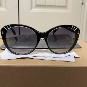 Like New Alexander McQueen Sunglasses